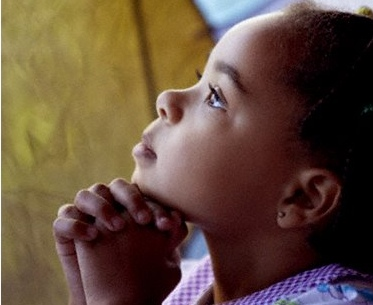 Resultado de imagem para criança rezando